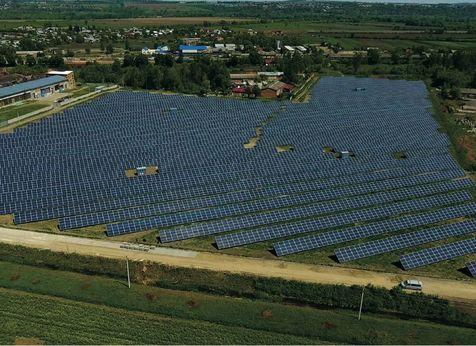 Частная солнечная электростанция на 4 000 МВТ-Ч В ГОД с помощью ИНВЕРТОРов FRONIUS eco 27